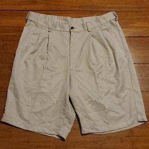 Haggar Men's Waist 34 Dress Shorts
